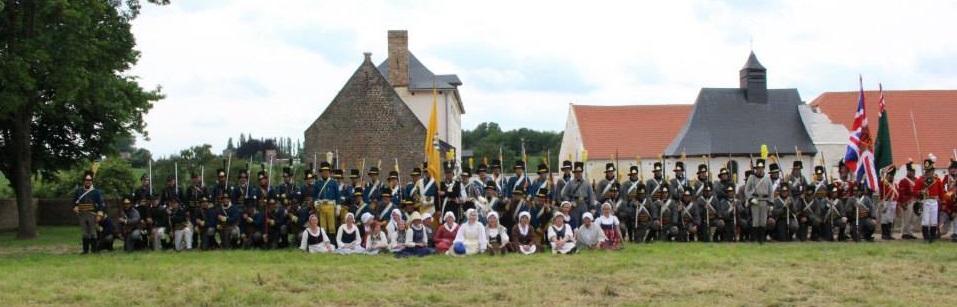 Hougoumont i bakgrunden, där striderna var heta 1815.